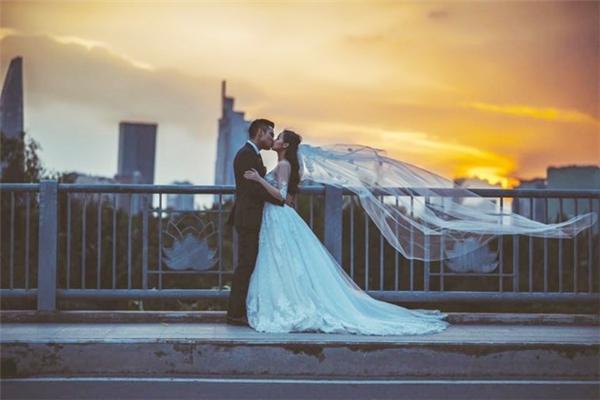 Hồ sơ nhân vật - Ảnh cưới của sao - 20151107 040308 tit 1 600x400 -