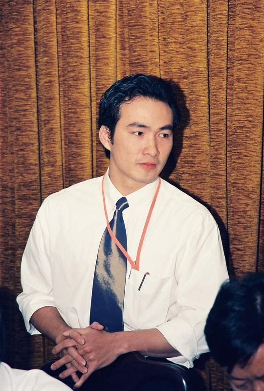 Hồ sơ nhân vật - Tiểu sử diễn viên Chi Bảo - chi bao tai cuoc hop truoc le trao giai mai vang nam 2001 2945 -