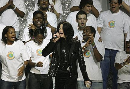 Hồ sơ nhân vật - Tiểu sử của - Ông hoàng nhạc pop Michael Jackson - michael jackson 17 22970 -