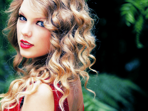 Hồ sơ nhân vật - Tiểu sử Taylor Swift - taylor swift ba 25117 -
