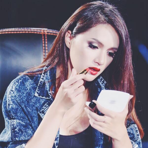Hồ sơ nhân vật - Tiểu sử ca sĩ Hương Giang Idol - tieu su ca si huong giang idol 4901 -