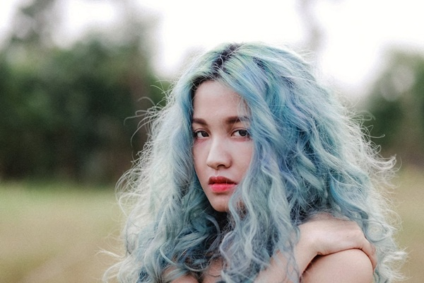 Hồ sơ nhân vật - Tiểu sử ca sĩ Linh Buzi - tieu su ca si linh buzi 10102 -