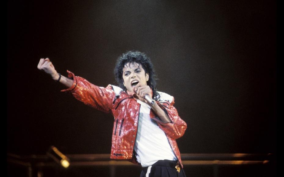Hồ sơ nhân vật - Tiểu sử của - Ông hoàng nhạc pop Michael Jackson - tieu su cua ong hoang nhac pop michael jackson 1393 -