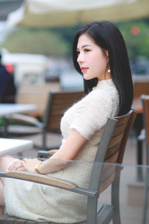 Hồ sơ nhân vật - Tiểu sử MC Nhã Uyên - tieu su mc nha uyen 7334 -