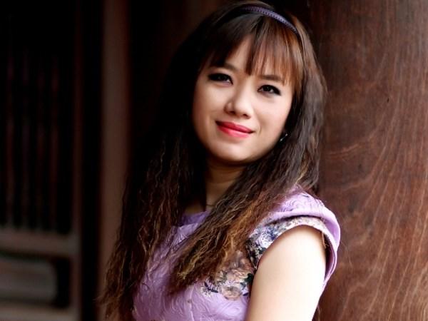Hồ sơ nhân vật - Tiểu sử nhà thơ Vi Thùy Linh - tieu su nha tho vi thuy linh 11687 -